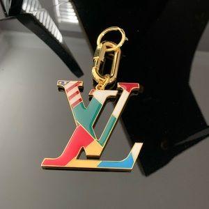 Louis Vuitton XL Gold Small World KeyChain w/Flags